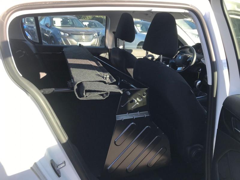 Photo 9 de l'offre de PEUGEOT 308 AFFAIRE 1.6 BLUEHDI 100CH S&S PREMIUM PACK à 13900€ chez Brignais automobiles
