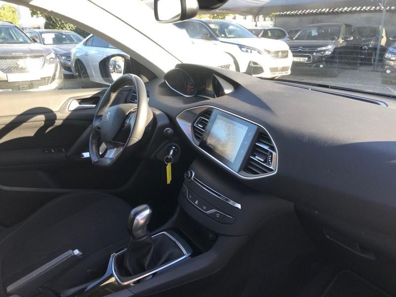 Photo 7 de l'offre de PEUGEOT 308 AFFAIRE 1.6 BLUEHDI 100CH S&S PREMIUM PACK à 13900€ chez Brignais automobiles
