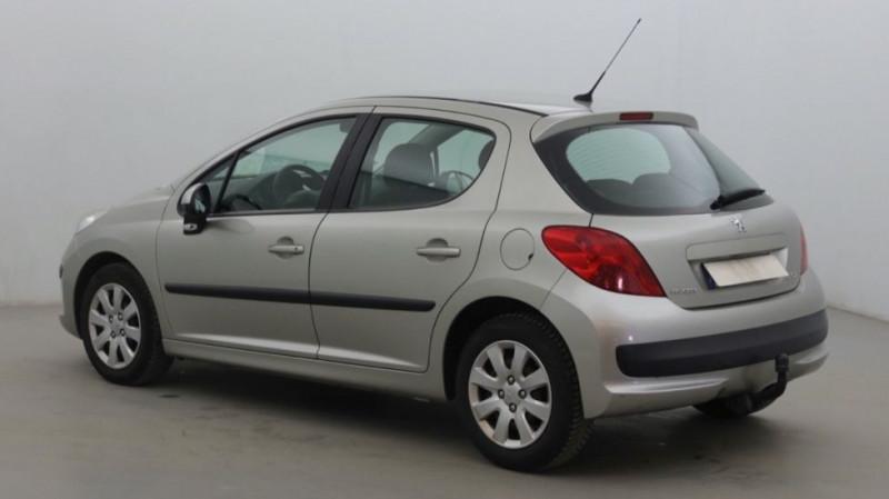 Photo 4 de l'offre de PEUGEOT 207 1.6 HDI90 URBAN 5P à 4200€ chez JD Contact Automobiles