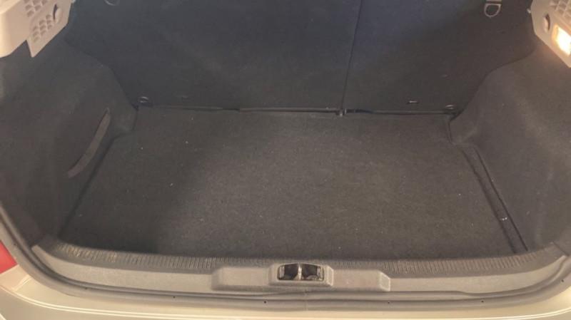 Photo 5 de l'offre de PEUGEOT 207 1.6 HDI90 URBAN 5P à 4200€ chez JD Contact Automobiles