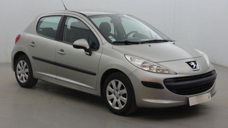 Photo 2 de l'offre de PEUGEOT 207 1.6 HDI90 URBAN 5P à 4000€ chez JD Contact Automobiles