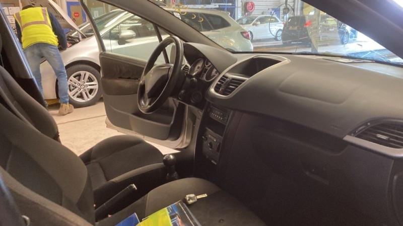Photo 6 de l'offre de PEUGEOT 207 1.6 HDI90 URBAN 5P à 4000€ chez JD Contact Automobiles