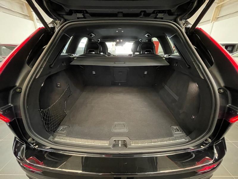 Photo 12 de l'offre de VOLVO XC60 D5 ADBLUE AWD 235CH R-DESIGN GEARTRONIC à 37990€ chez LTA Trading