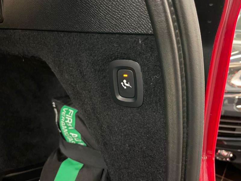 Photo 12 de l'offre de VOLVO XC90 D4 190CH MOMENTUM GEARTRONIC 7 PLACES à 37990€ chez LTA Trading
