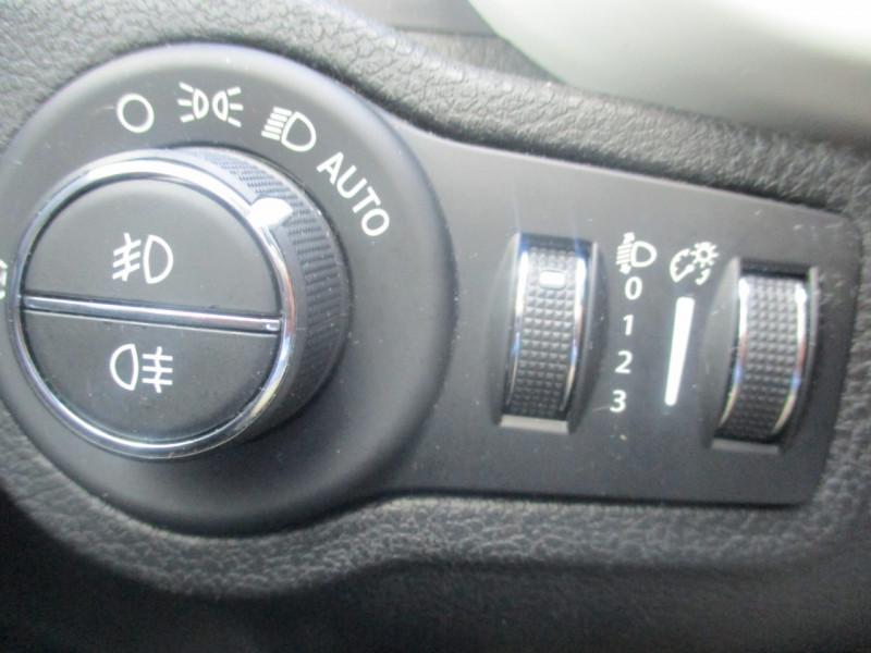 Photo 8 de l'offre de FIAT 500X 1.6 MULTIJET 120CH CITY CROSS à 13990€ chez JTA RENAULT JOUE LES TOURS