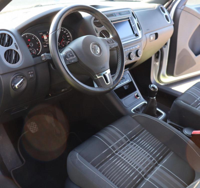 Photo 6 de l'offre de VOLKSWAGEN TIGUAN 2.0 TDI 150 LOUNGE GPS, Clim, BT, Garantie 6 mois VW à 17890€ chez Auto premium Selection