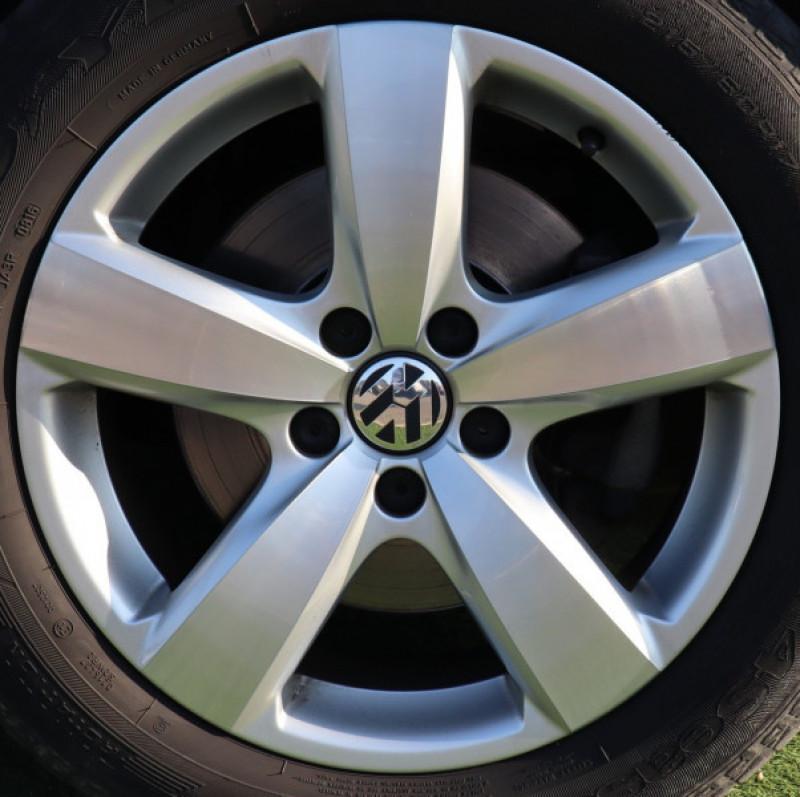 Photo 16 de l'offre de VOLKSWAGEN TIGUAN 2.0 TDI 150 LOUNGE GPS, Clim, BT, Garantie 6 mois VW à 17890€ chez Auto premium Selection