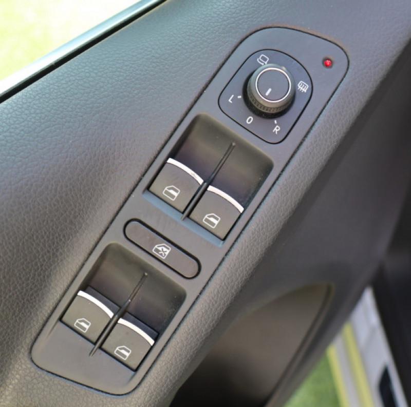 Photo 14 de l'offre de VOLKSWAGEN TIGUAN 2.0 TDI 150 LOUNGE GPS, Clim, BT, Garantie 6 mois VW à 17890€ chez Auto premium Selection