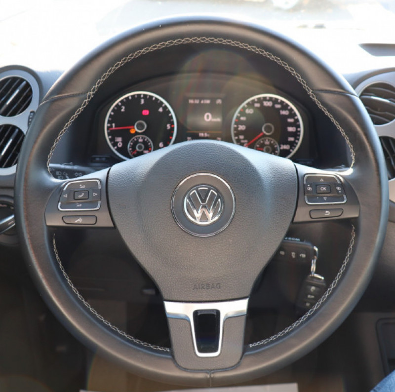 Photo 9 de l'offre de VOLKSWAGEN TIGUAN 2.0 TDI 150 LOUNGE GPS, Clim, BT, Garantie 6 mois VW à 17890€ chez Auto premium Selection
