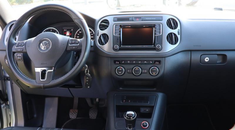 Photo 8 de l'offre de VOLKSWAGEN TIGUAN 2.0 TDI 150 LOUNGE GPS, Clim, BT, Garantie 6 mois VW à 17890€ chez Auto premium Selection