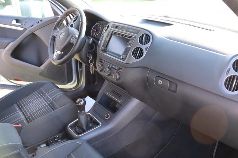 Photo 2 de l'offre de VOLKSWAGEN TIGUAN 2.0 TDI 150 LOUNGE GPS, Clim, BT, Garantie 6 mois VW à 17890€ chez Auto premium Selection