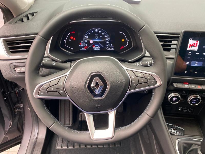 Photo 8 de l'offre de RENAULT Captur 1.0 TCe 100ch Intens - 20 100 à 20490€ chez Duval Automobiles