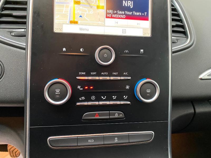 Photo 13 de l'offre de RENAULT Scenic 1.5 dCi 110ch energy Business 110 à 15990€ chez Duval Automobiles