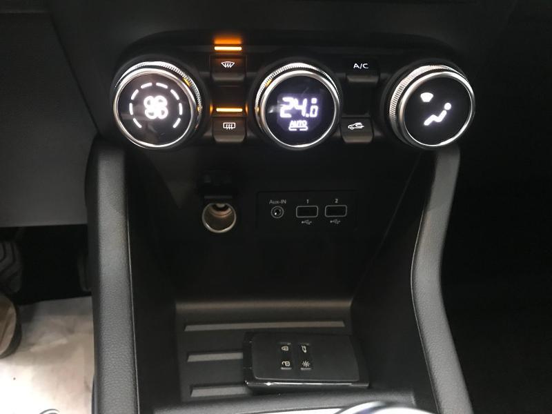 Photo 8 de l'offre de RENAULT Clio 1.5 Blue dCi 115 ch Zen 6cv + options 115ch à 18490€ chez Duval Automobiles