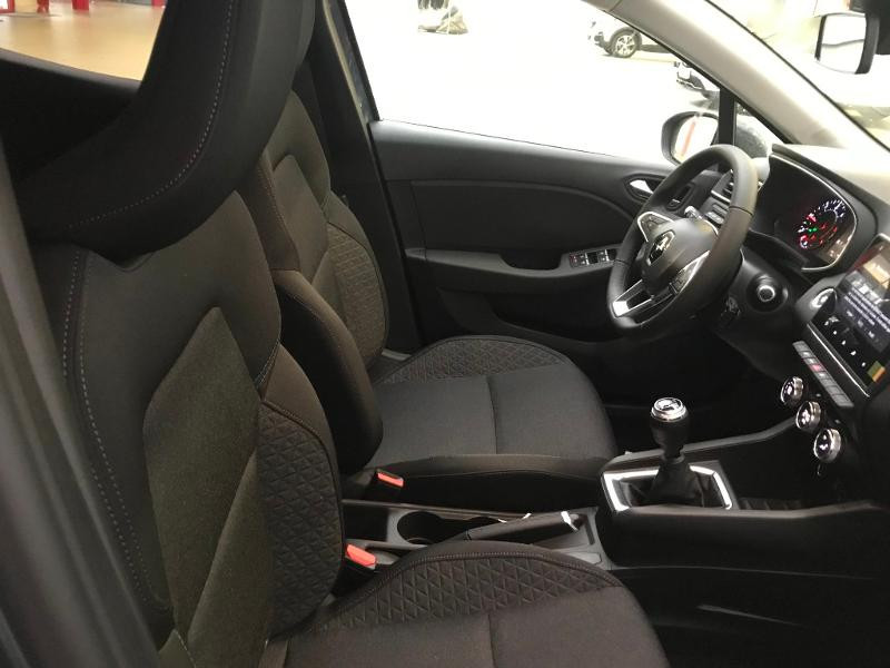 Photo 5 de l'offre de RENAULT Clio 1.5 Blue dCi 115 ch Zen 6cv + options 115ch à 18490€ chez Duval Automobiles