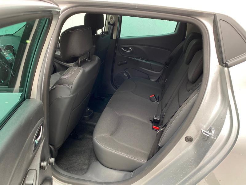 Photo 6 de l'offre de RENAULT Clio 0.9 TCe 90ch Génération - 19 5p 90 à 13490€ chez Duval Automobiles