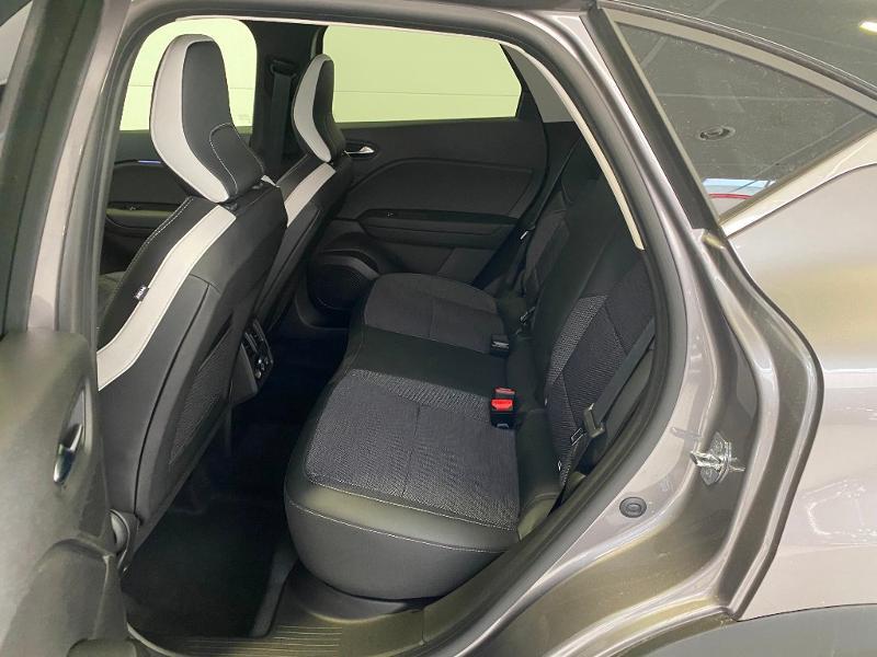 Photo 6 de l'offre de RENAULT Captur 1.3 TCe 140ch FAP Intens EDC - 21 à 24990€ chez Duval Automobiles