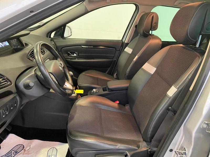 Photo 5 de l'offre de RENAULT Scenic 1.5 dCi 110ch Dynamique à 8490€ chez Duval Automobiles