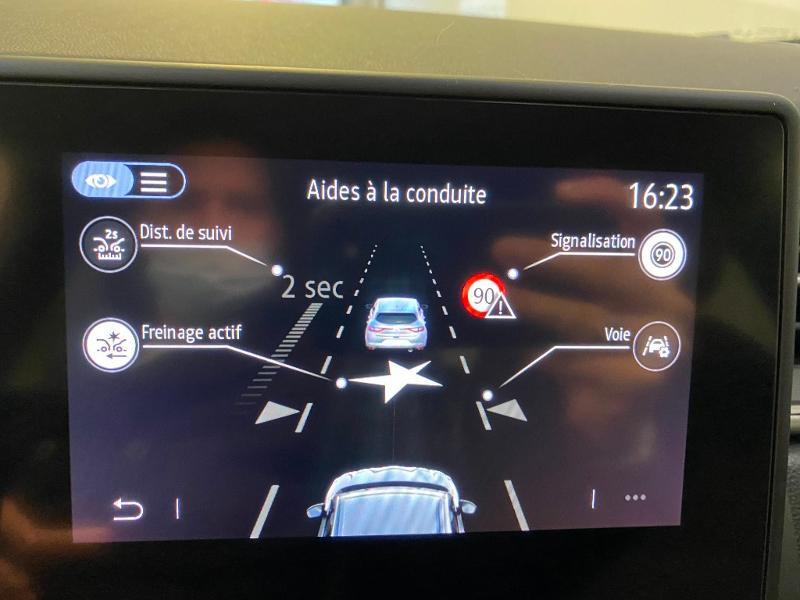 Photo 14 de l'offre de RENAULT Captur 1.3 TCe 140ch FAP Intens EDC - 21 à 23990€ chez Duval Automobiles