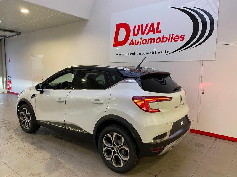 Photo 4 de l'offre de RENAULT Captur 1.3 TCe 140ch FAP Intens EDC - 21 à 24890€ chez Duval Automobiles
