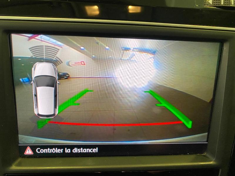 Photo 10 de l'offre de VOLKSWAGEN Golf 1.6 TDI 110ch BlueMotion Technology FAP Allstar 5p à 13490€ chez Duval Automobiles