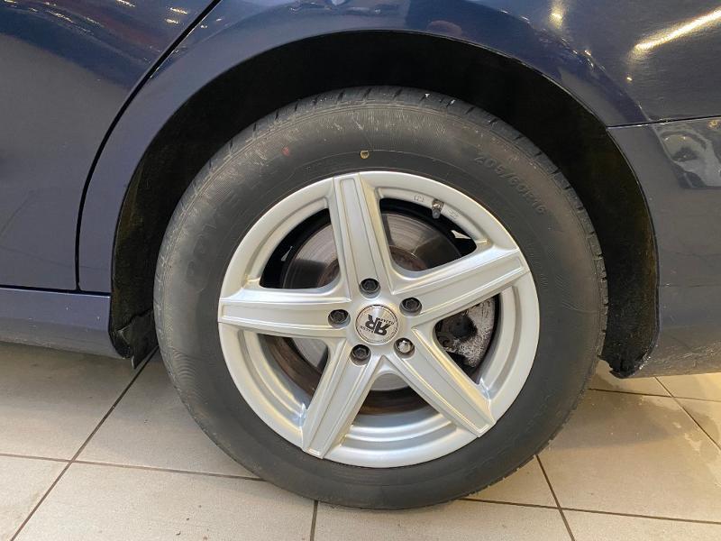 Photo 16 de l'offre de MERCEDES-BENZ Classe C 180 BlueTEC à 14990€ chez Duval Automobiles