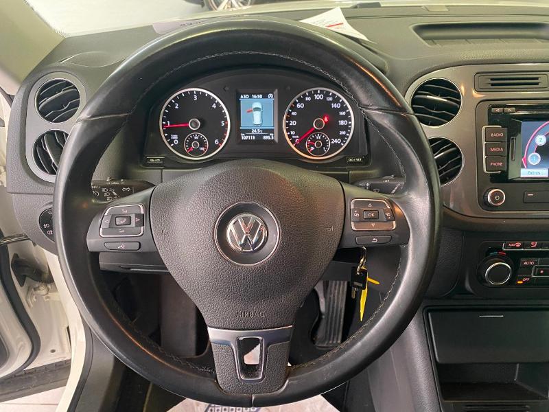 Photo 8 de l'offre de VOLKSWAGEN Tiguan 2.0 TDI 140ch BlueMotion Technology FAP Sportline Business à 14490€ chez Duval Automobiles