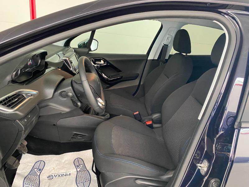 Photo 5 de l'offre de PEUGEOT 208 1.5 BlueHDi 100ch E6.c Signature BVM5 86g 5p à 13990€ chez Duval Automobiles