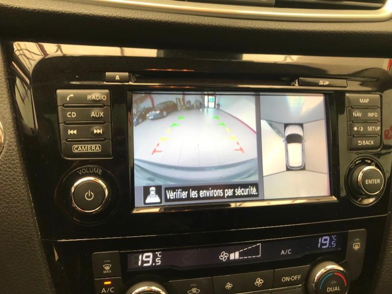 Photo 9 de l'offre de NISSAN Qashqai 1.5 dCi 110ch N-Connecta à 15990€ chez Duval Automobiles