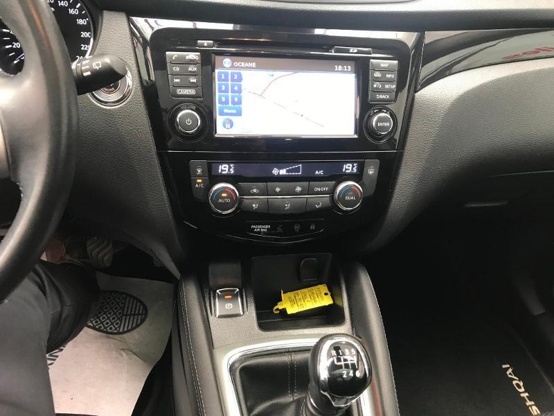 Photo 10 de l'offre de NISSAN Qashqai 1.5 dCi 110ch N-Connecta à 15990€ chez Duval Automobiles