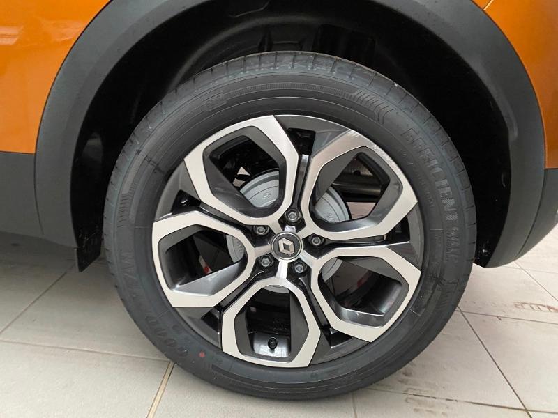 Photo 19 de l'offre de RENAULT Captur 1.5 Blue dCi 115ch Intens 115 à 22990€ chez Duval Automobiles