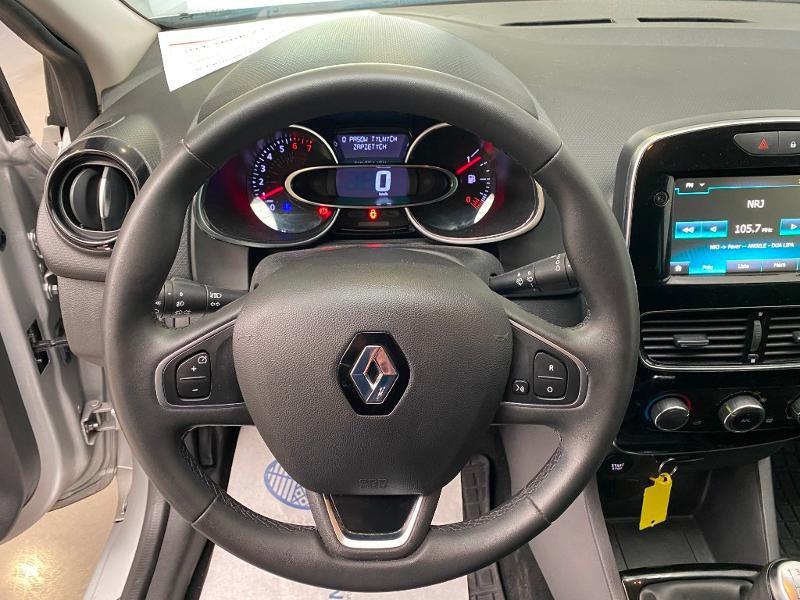 Photo 8 de l'offre de RENAULT Clio 0.9 TCe 90ch energy Limited 5p Euro6c + radar ar à 11990€ chez Duval Automobiles