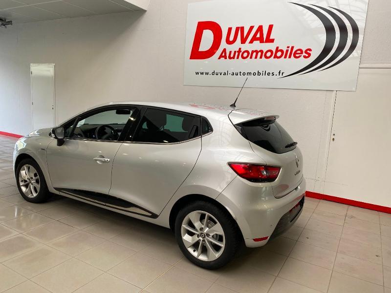 Photo 4 de l'offre de RENAULT Clio 0.9 TCe 90ch energy Limited 5p Euro6c + radar ar à 11990€ chez Duval Automobiles