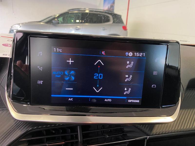 Photo 12 de l'offre de PEUGEOT 2008 1.2 PureTech 100ch S&S Active à 18990€ chez Duval Automobiles
