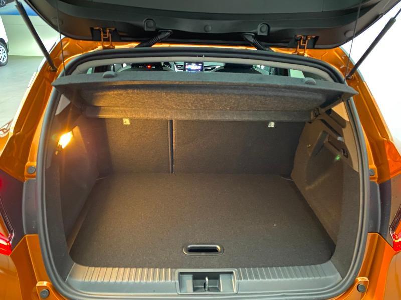 Photo 18 de l'offre de RENAULT Captur 1.5 Blue dCi 115ch Intens 115 à 22990€ chez Duval Automobiles