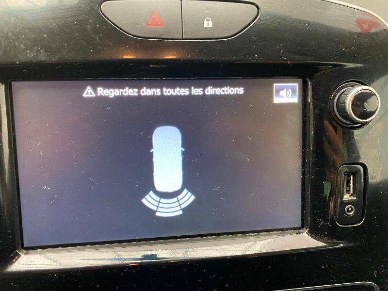 Photo 10 de l'offre de RENAULT Clio 0.9 TCe 90ch energy Limited 5p Euro6c + radar ar à 11990€ chez Duval Automobiles