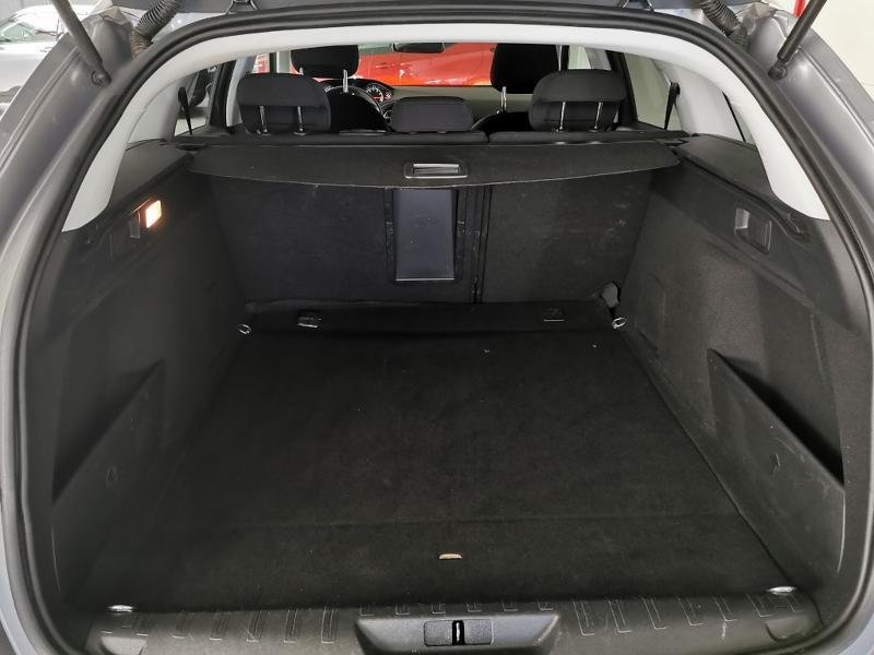 Photo 11 de l'offre de PEUGEOT 308 SW 1.2 PureTech 130ch E6.c S&S Style à 17990€ chez Duval Automobiles