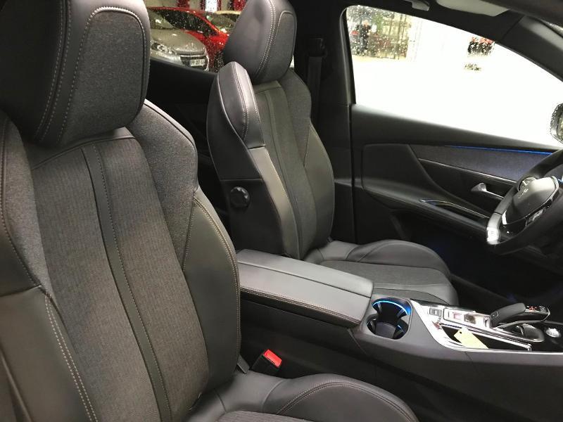 Photo 6 de l'offre de PEUGEOT 3008 1.5 BlueHDi 130ch S&S GT Line EAT8 + TOIT OUVRANT à 30990€ chez Duval Automobiles