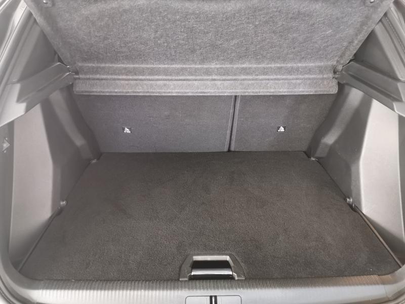 Photo 13 de l'offre de PEUGEOT 2008 1.5 BlueHDi 100ch S&S Allure à 23990€ chez Duval Automobiles