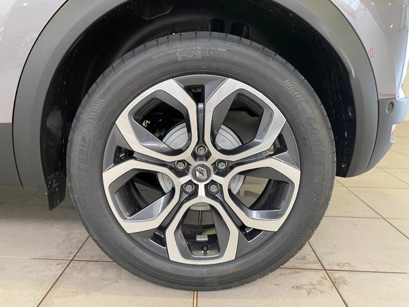 Photo 18 de l'offre de RENAULT Captur 1.3 TCe 140ch FAP Intens EDC à 24990€ chez Duval Automobiles