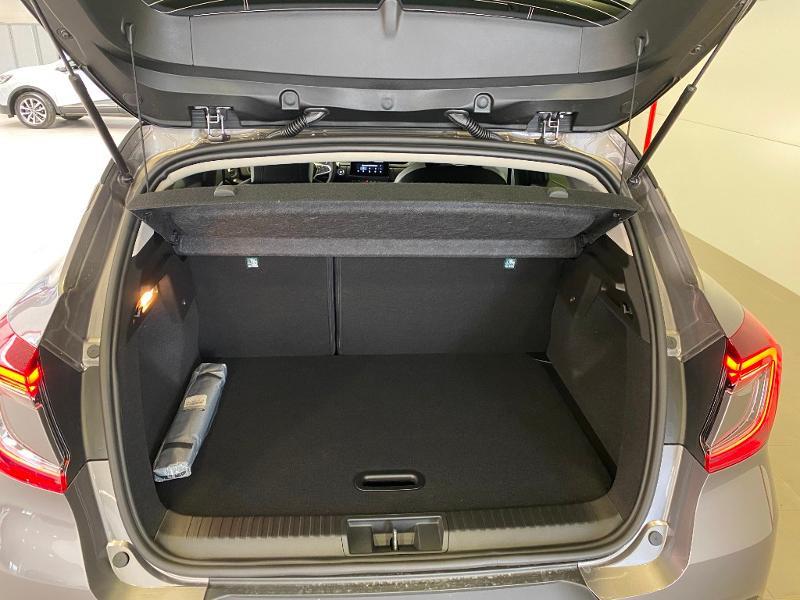 Photo 17 de l'offre de RENAULT Captur 1.3 TCe 140ch FAP Intens EDC à 24990€ chez Duval Automobiles