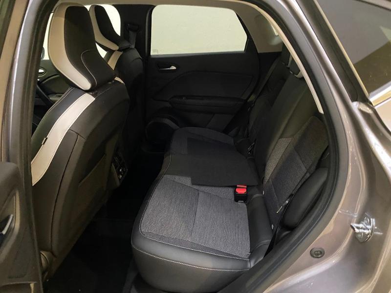 Photo 6 de l'offre de RENAULT Captur 1.5 Blue dCi 115ch Intens à 23490€ chez Duval Automobiles