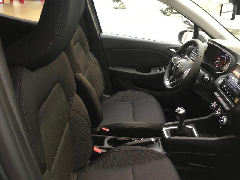 Photo 5 de l'offre de RENAULT Clio 1.5 Blue dCi 115 ch Zen 6cv + options 115ch à 17990€ chez Duval Automobiles