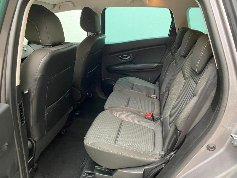 Photo 9 de l'offre de RENAULT Grand Scenic 1.7 Blue dCi 120ch Business 7 places 120 à 22490€ chez Duval Automobiles