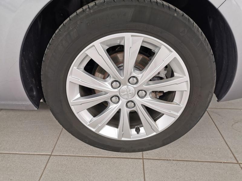 Photo 13 de l'offre de PEUGEOT 308 SW 1.2 PureTech 130ch E6.c S&S Style à 17990€ chez Duval Automobiles