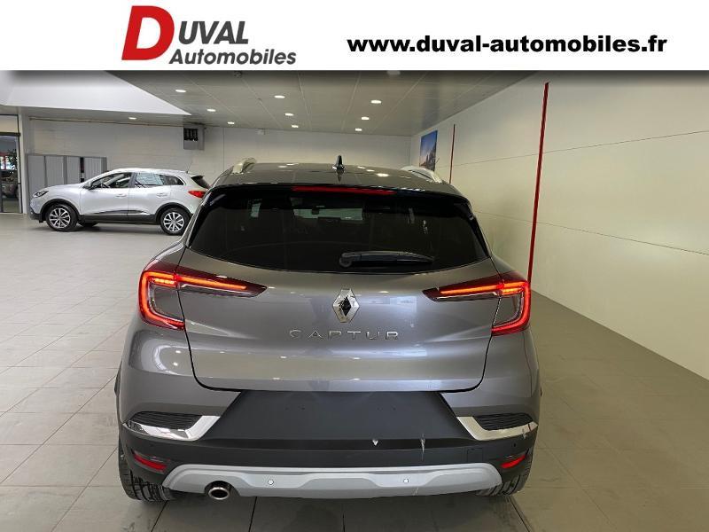 Photo 16 de l'offre de RENAULT Captur 1.3 TCe 140ch FAP Intens EDC à 24990€ chez Duval Automobiles