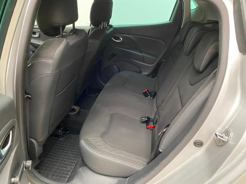 Photo 6 de l'offre de RENAULT Clio 0.9 TCe 90ch energy Limited 5p Euro6c + radar ar à 11990€ chez Duval Automobiles