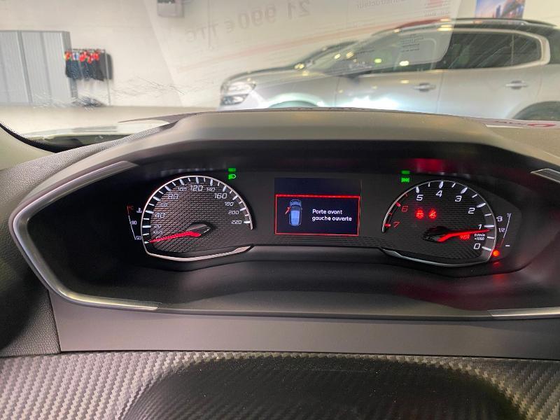 Photo 11 de l'offre de PEUGEOT 2008 1.2 PureTech 100ch S&S Allure à 21990€ chez Duval Automobiles