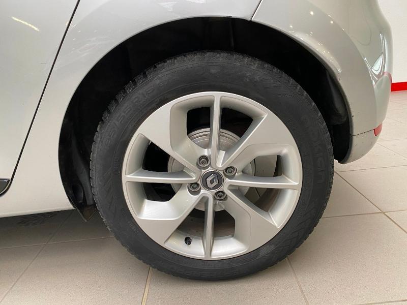 Photo 15 de l'offre de RENAULT Clio 0.9 TCe 90ch energy Limited 5p Euro6c + radar ar à 11990€ chez Duval Automobiles