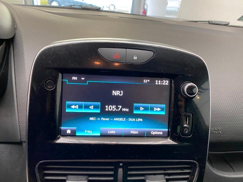 Photo 11 de l'offre de RENAULT Clio 0.9 TCe 90ch energy Limited 5p Euro6c + radar ar à 11990€ chez Duval Automobiles